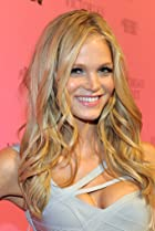 Image of Erin Heatherton