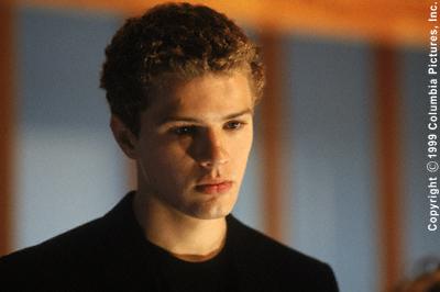 Ryan Phillippe stars as Sebastian Valmont