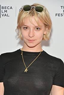 Aktori Annabelle Dexter-Jones