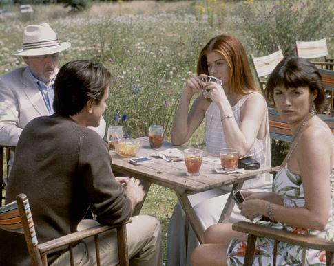 Dermot Mulroney, Debra Messing, Peter Egan, and Sarah Parish in The Wedding Date (2005)