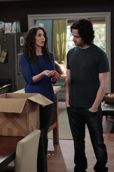 Whitney: The Ex Box   Season 1   Episode 19