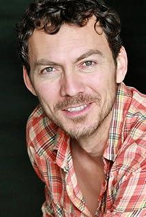 Aktori Luis Deveze