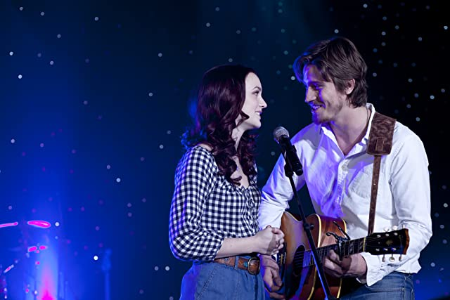 Leighton Meester and Garrett Hedlund in Country Strong (2010)