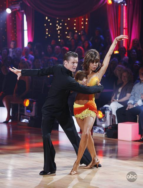 Lisa Rinna in Dancing with the Stars (2005)