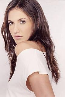 Aktori Alyssa Pridham