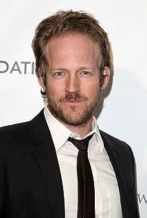 Aktori David Sullivan