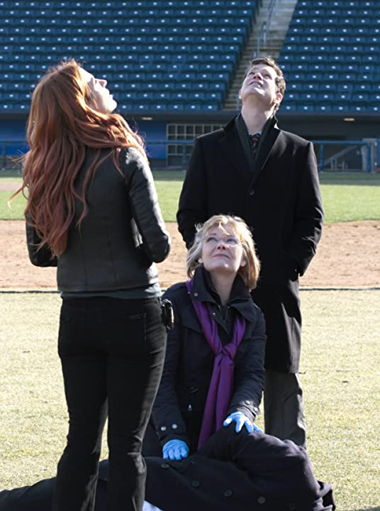 Jane Curtin, Poppy Montgomery, and Dylan Walsh in Unforgettable (2011)