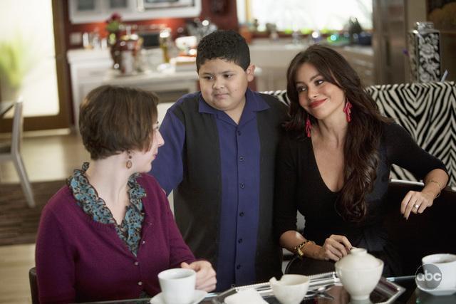 Sofía Vergara, Kristen Schaal, and Rico Rodriguez in Modern Family (2009)