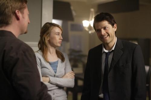 Misha Collins, Aaron Pearl, and Wynn Everett in Supernatural (2005)