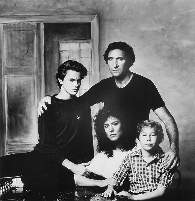 River Phoenix, Christine Lahti, Judd Hirsch, and Jonas Abry in Running on Empty (1988)