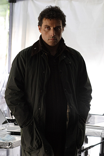 Rufus Sewell in Eleventh Hour (2008)