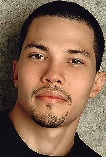 Aktori Cory Fernandez
