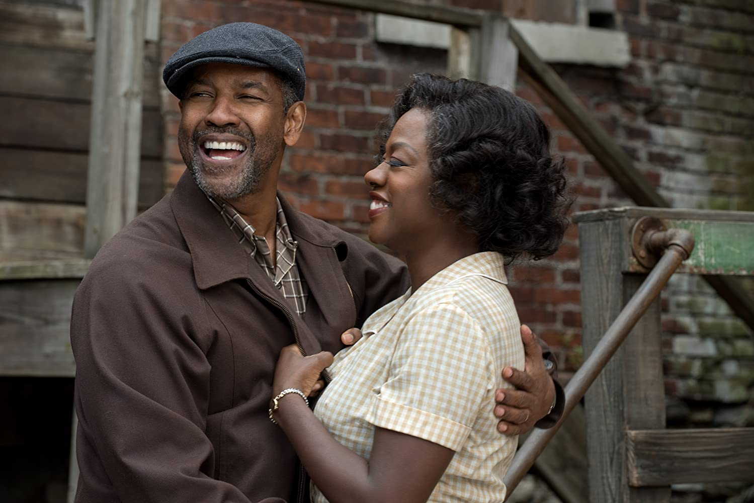 Denzel Washington and Viola Davis in 'Fences' (Courtesy: Paramount)