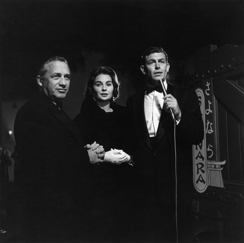 Director Mervyn LeRoy, Jean Simmons and Andy Griffith at the Hollywood premiere of