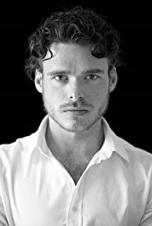 Richard Madden Picture