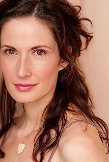 Aktori Elea Oberon