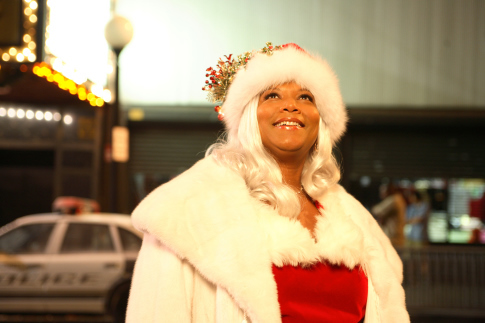 Queen Latifah in The Perfect Holiday (2007)