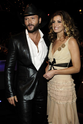 Faith Hill and Tim McGraw at 2005 American Music Awards (2005)