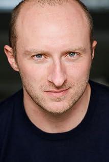 Aktori Ben Loyd-Holmes