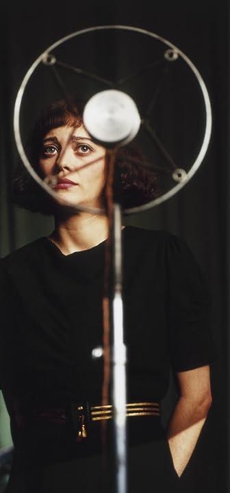 Marion Cotillard in La Vie en Rose (2007)
