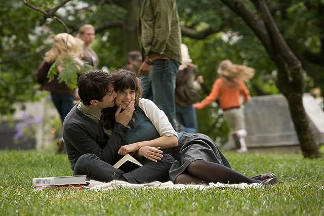 Zooey Deschanel and Joseph Gordon-Levitt in (500) Days of Summer (2009)