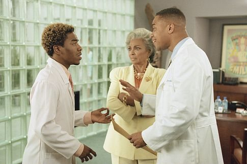 Cuba Gooding Jr., Sisqó, and Nichelle Nichols in Snow Dogs (2002)
