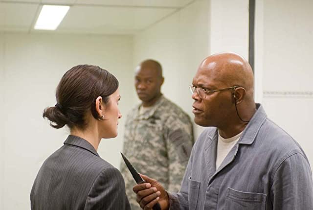 Samuel L. Jackson and Carrie-Anne Moss in Unthinkable (2010)