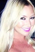 Lindsey Axelsson's primary photo
