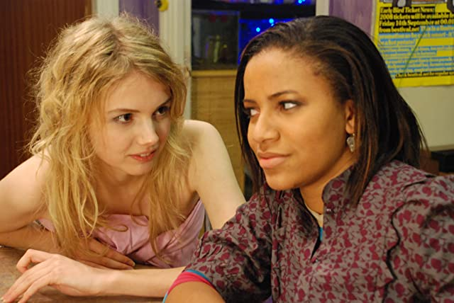 Larissa Wilson and Hannah Murray in Skins (2007)