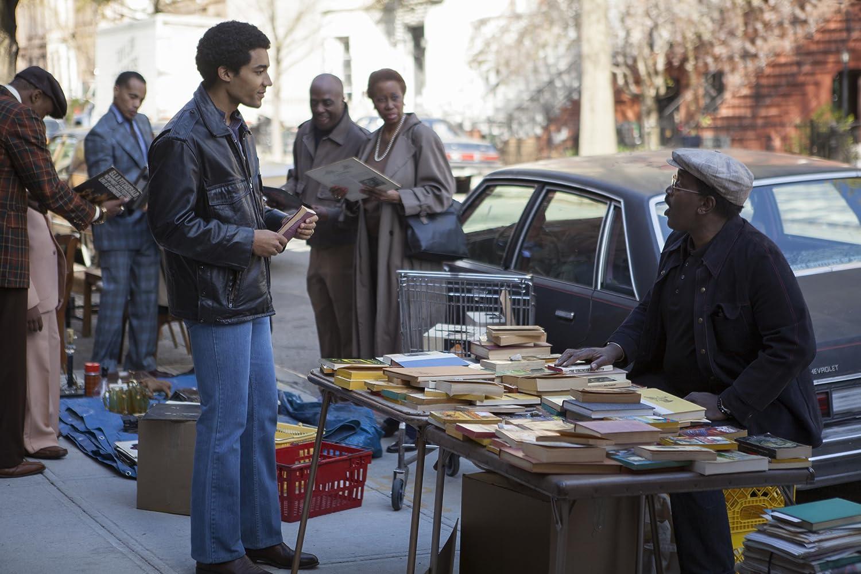 Pelicula Barry comprando libro