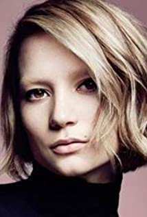 Mia Wasikowska New Picture - Celebrity Forum, News, Rumors, Gossip