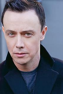 Aktori Adam Greydon Reid