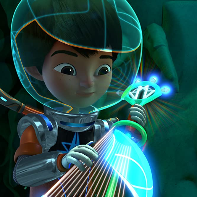 Fiona Bishop and Justin Felbinger in Miles from Tomorrowland (2015)