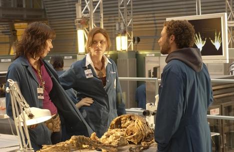 Michaela Conlin, Emily Deschanel, and T.J. Thyne in Bones (2005)
