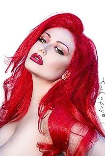 Lenora Claire Picture