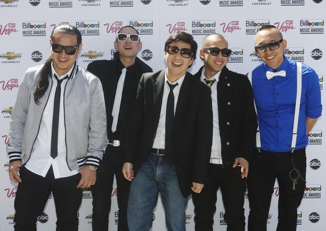 Ken Jeong and Far East Movement in The 2011 Billboard Music Awards (2011)