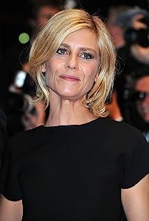 Aktori Marina Foïs