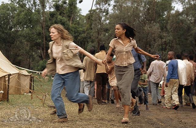 Sophie Okonedo and Cara Seymour in Hotel Rwanda (2004)