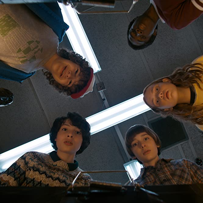 Caleb McLaughlin, Sadie Sink, Finn Wolfhard, Noah Schnapp, and Gaten Matarazzo in Stranger Things (2016)