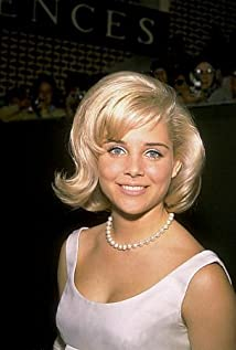 Sue Lyon Picture