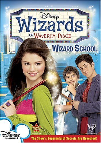 David Henrie, Selena Gomez, and Jake T. Austin in Wizards of Waverly Place (2007)