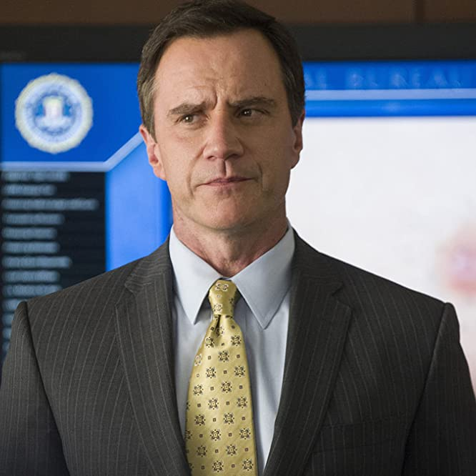 Tim DeKay in White Collar (2009)