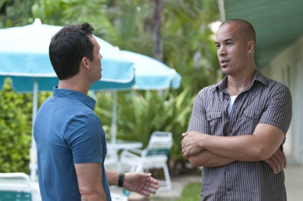 Coby Bell and Jeffrey Donovan in Burn Notice (2007)