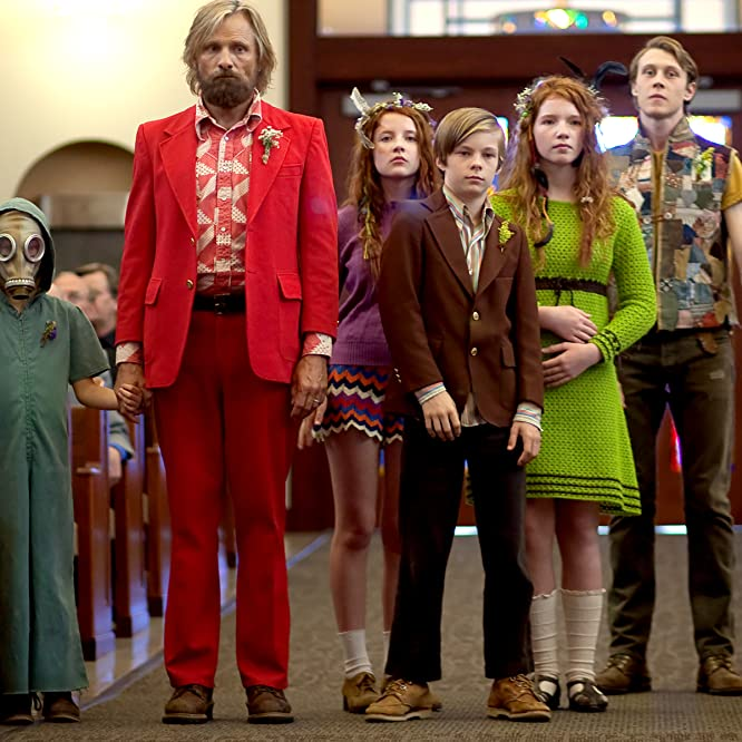 Viggo Mortensen, George MacKay, Annalise Basso, Samantha Isler, Shree Crooks, Nicholas Hamilton, and Charlie Shotwell in Captain Fantastic (2016)