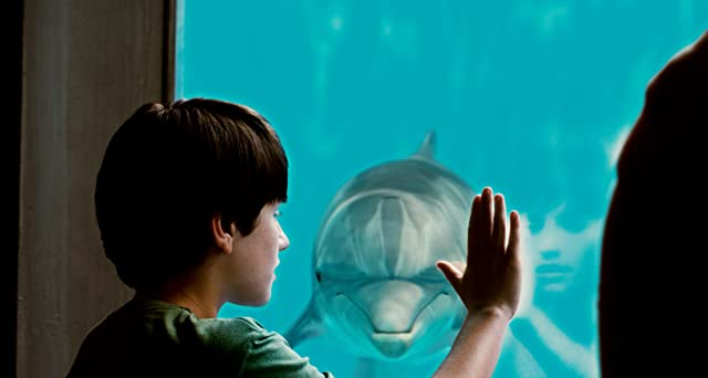 Nathan Gamble in Dolphin Tale (2011)