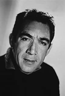 Anthony Quinn Picture