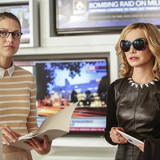 Calista Flockhart and Melissa Benoist in Supergirl (2015)