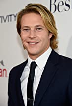 Luke Bracey's primary photo