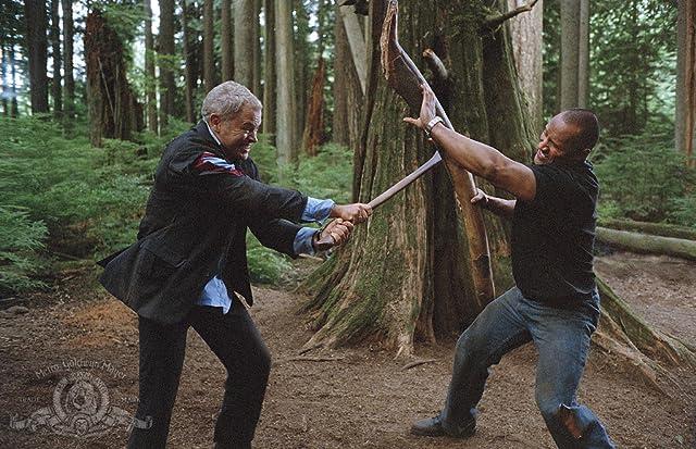 Dwayne Johnson and Neal McDonough in Walking Tall (2004)