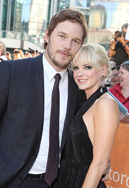 Anna Faris and Chris Pratt at Moneyball (2011)